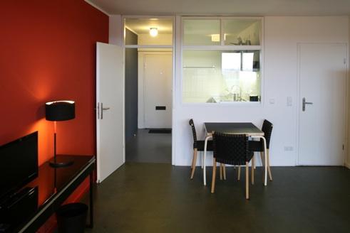 unit d habitation de grandeur conforme le corbusier berlin. Black Bedroom Furniture Sets. Home Design Ideas